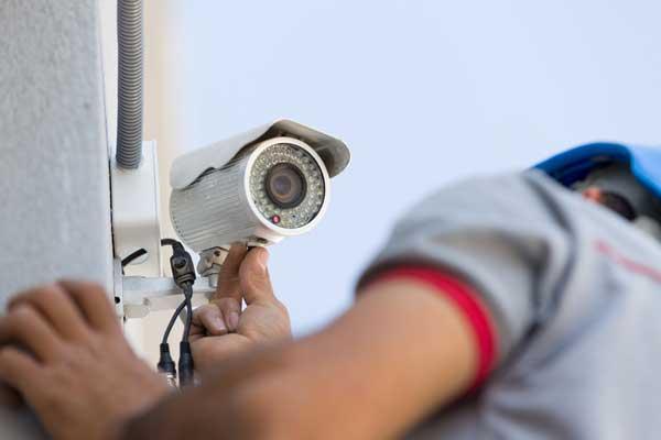 سیستم های حفاظتی ، ایمنی و امنیتی - نصب دوربین مدار بسته